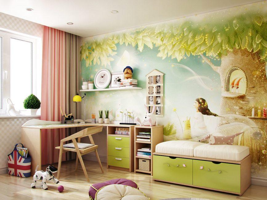 Landskap terang di dinding dapat membesarkan ruang secara visual.