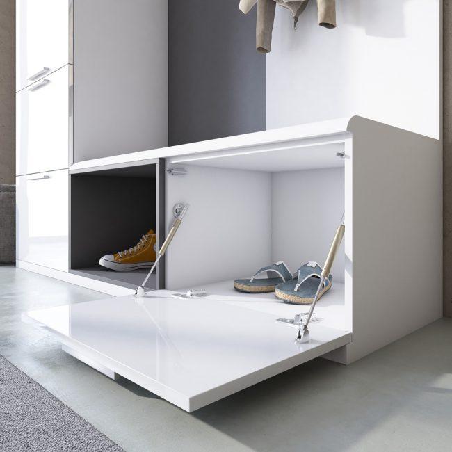Organisasi kasut diperlukan di dalam bilik kecil
