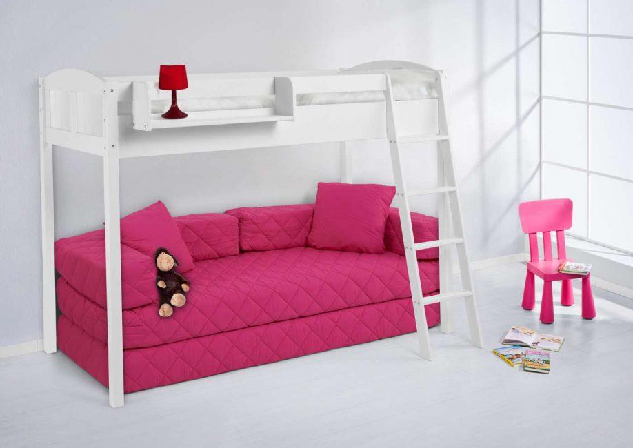 Reka bentuk dengan sofa terbina dalam