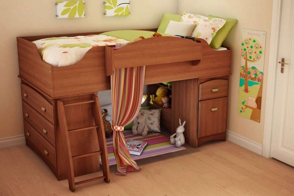 Perkara utama adalah untuk menjadikan katil secara organik sesuai dengan gaya keseluruhan.
