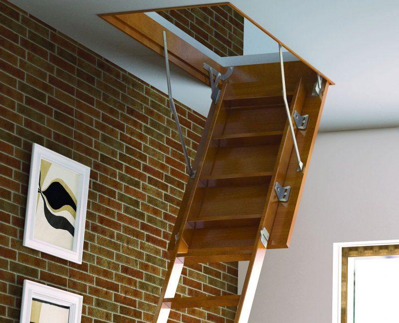Dilipat tangga ke tingkat dua atau loteng