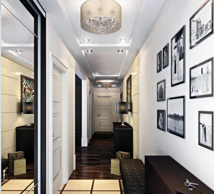 Dewan masuk cahaya dengan perabot gelap dalam gaya klasik.