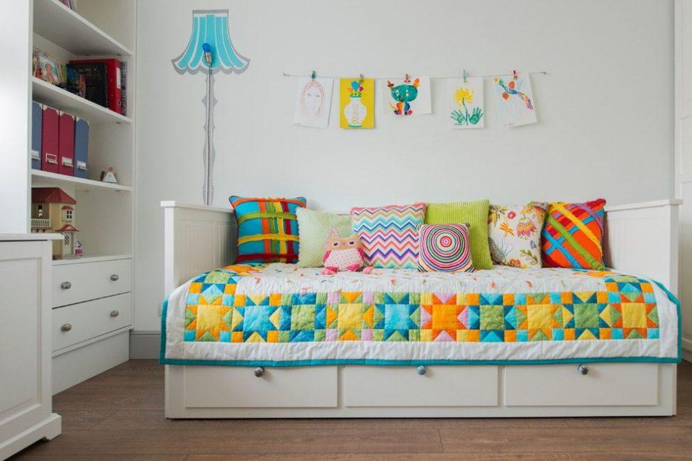 Prepara i cuscini come elemento decorativo