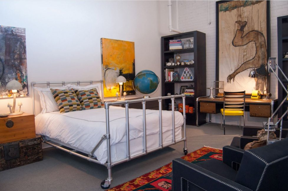 Loft tarzı yatak odası