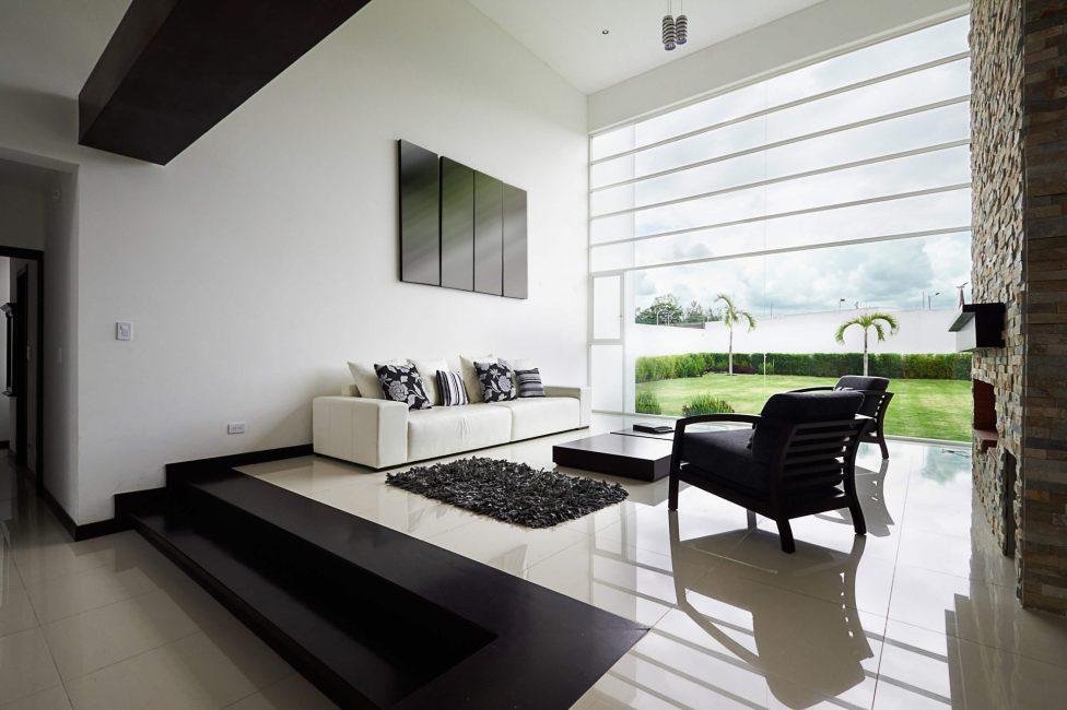 Büyük panoramik pencereler için benzer modeller kullanılabilir.