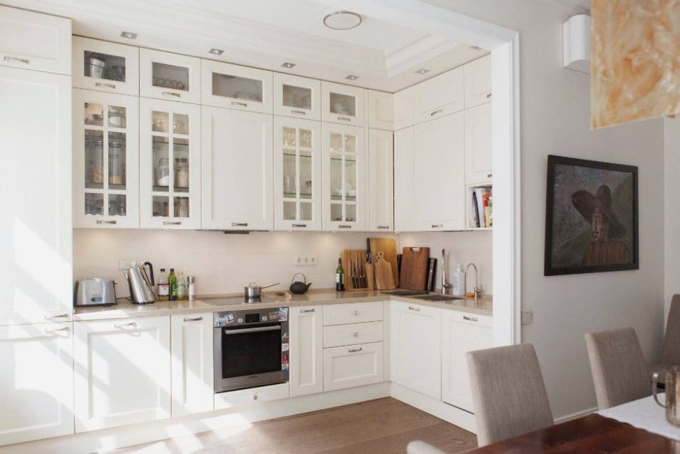 Dalam susunan ini, dapur adalah semua yang anda perlukan.