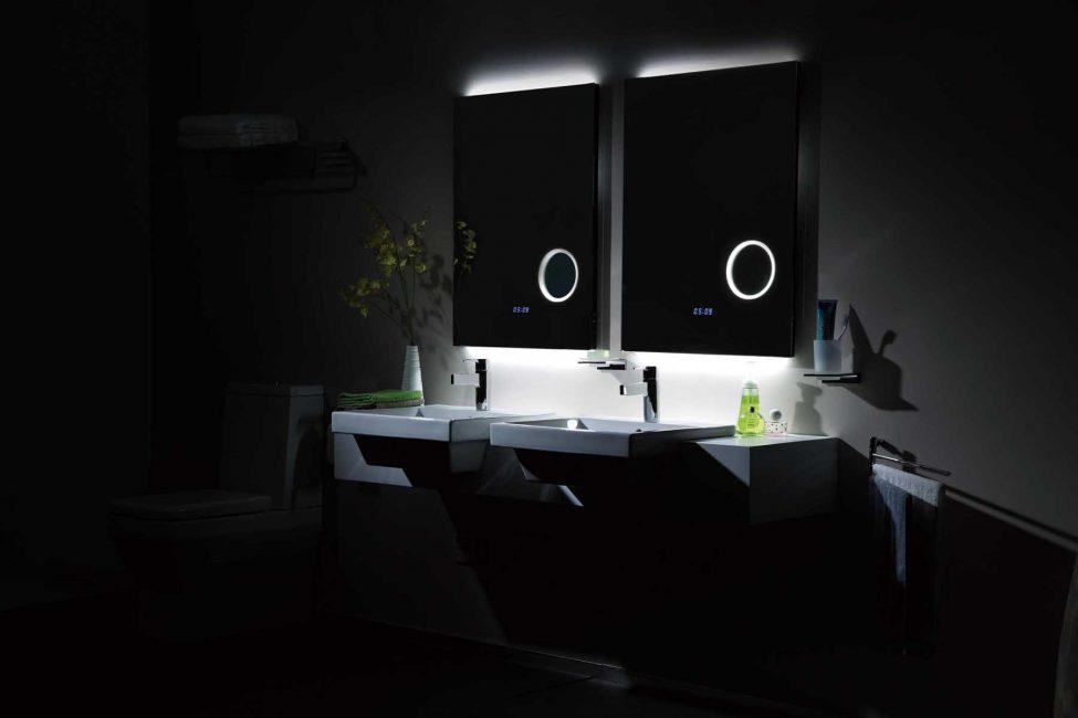Jam di panel sentuh - sesuai untuk peminat menghabiskan banyak masa di bilik mandi
