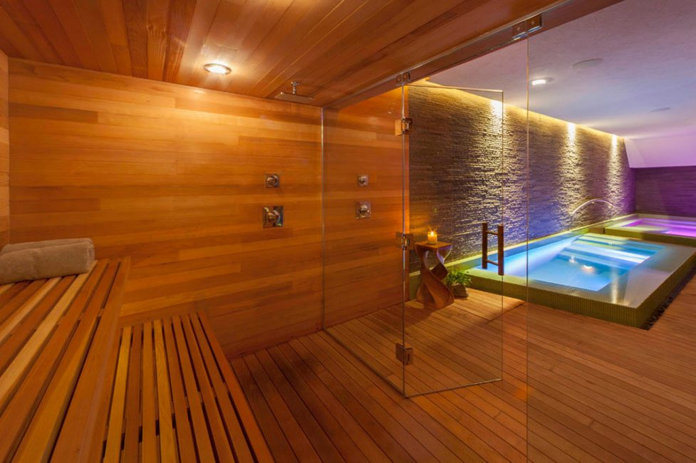Versi bergaya reka bentuk terbuka dengan sauna