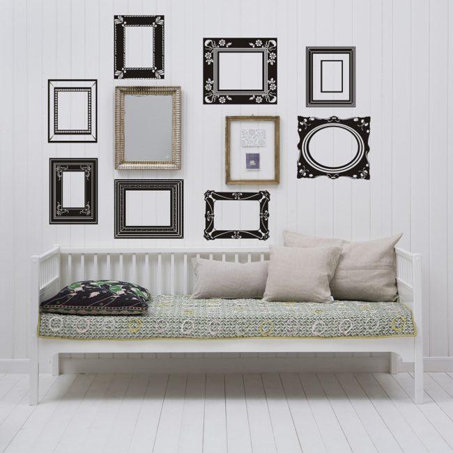 Duvarı koridorda dekore et, onu daha ilginç yap.