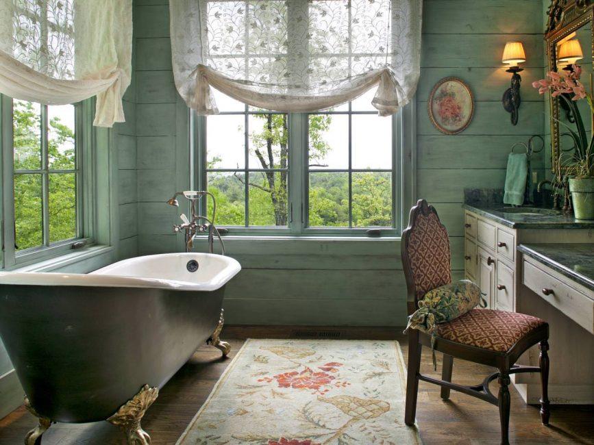 Bain de pieds - point fort de la salle de bain