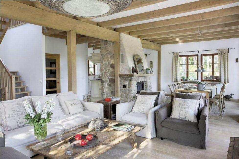 Le but du style est de créer un intérieur confortable et confortable.