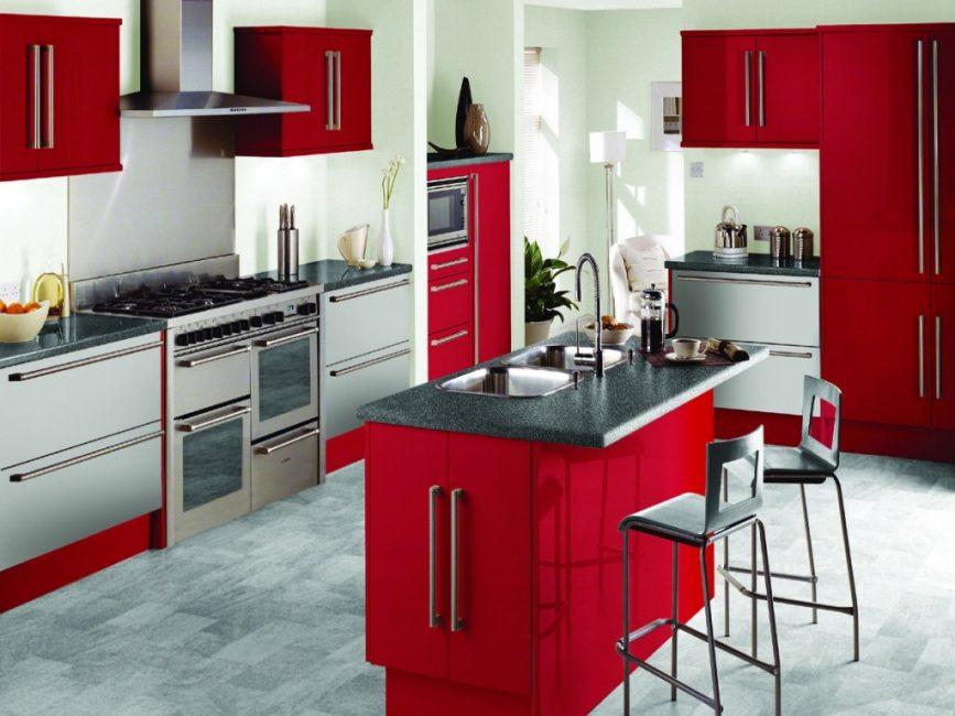 빨간색과 회색 톤