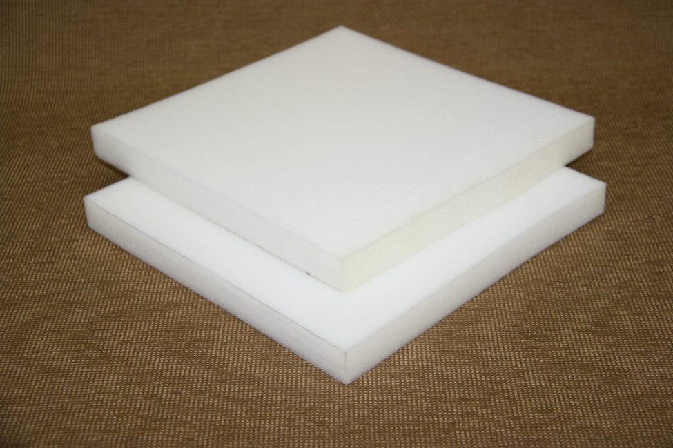 Buih poliuretana - bahan dibekalkan dengan ketegaran yang mencukupi