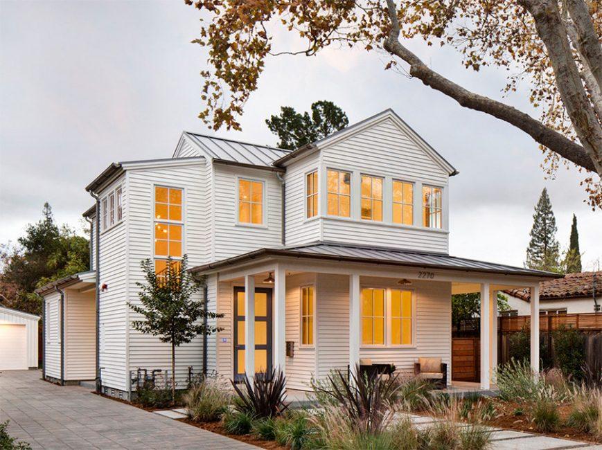 Rumah itu dibuat dalam putih tulen