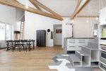 Pangsapuri pangsapuri bergaya loteng: 215+ Reka bentuk foto ruang tanpa had untuk Self-expression