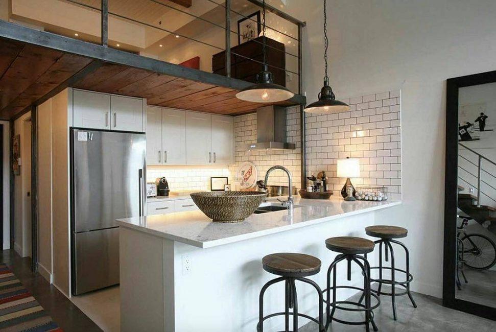 Loft tarzı mutfak pürüzlü bir yüzeye sahiptir
