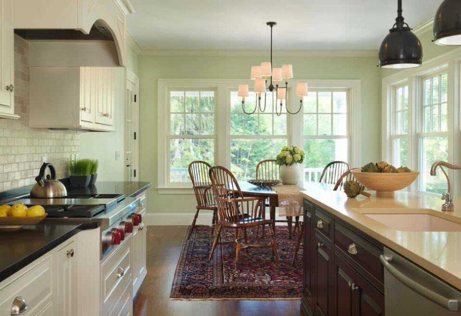 Pilih kandil dengan ketat untuk gaya keseluruhan dapur.