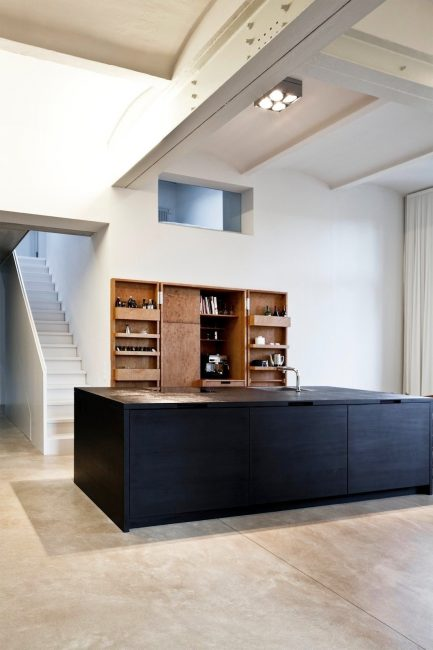 Design spazioso, decorazione semplice