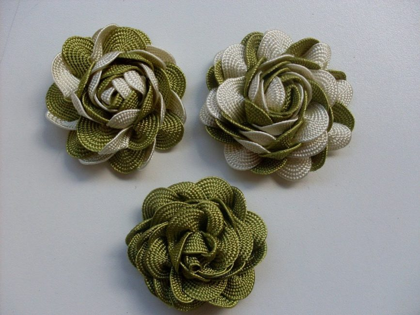 Janggut Zigzag sering digunakan untuk menyelesaikan pemprosesan pakaian dan blaus wanita