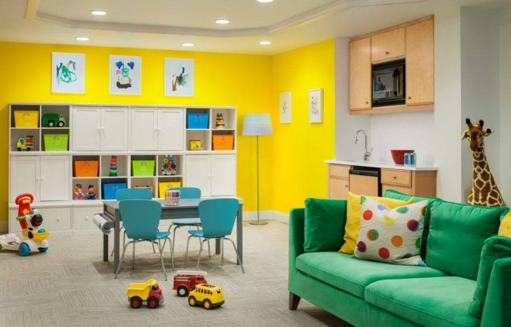 Parlak renkler çocuğu daha mutlu edecek.