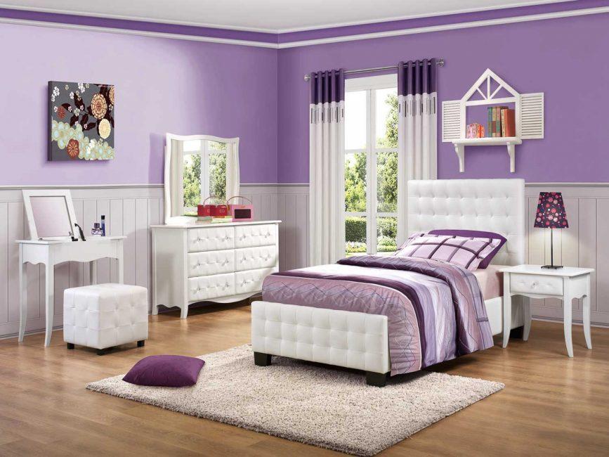 Per il bambino, la camera da letto dovrebbe essere confortevole, sicura.