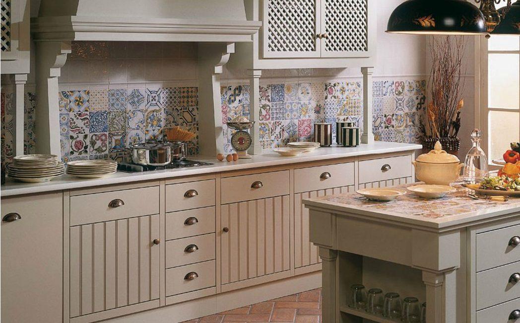 Mosaic di bahagian dalam dapur