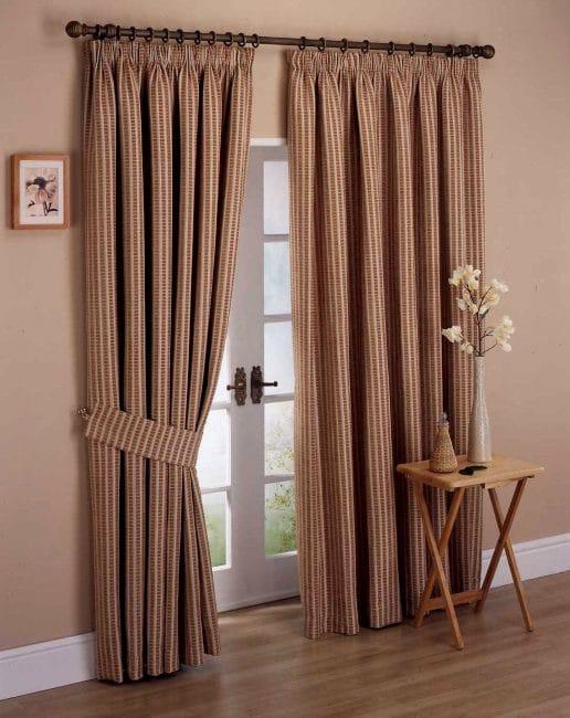 Tekstil boleh menghiasi mana-mana bilik.