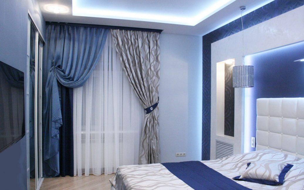 Biru digabungkan dengan warna putih