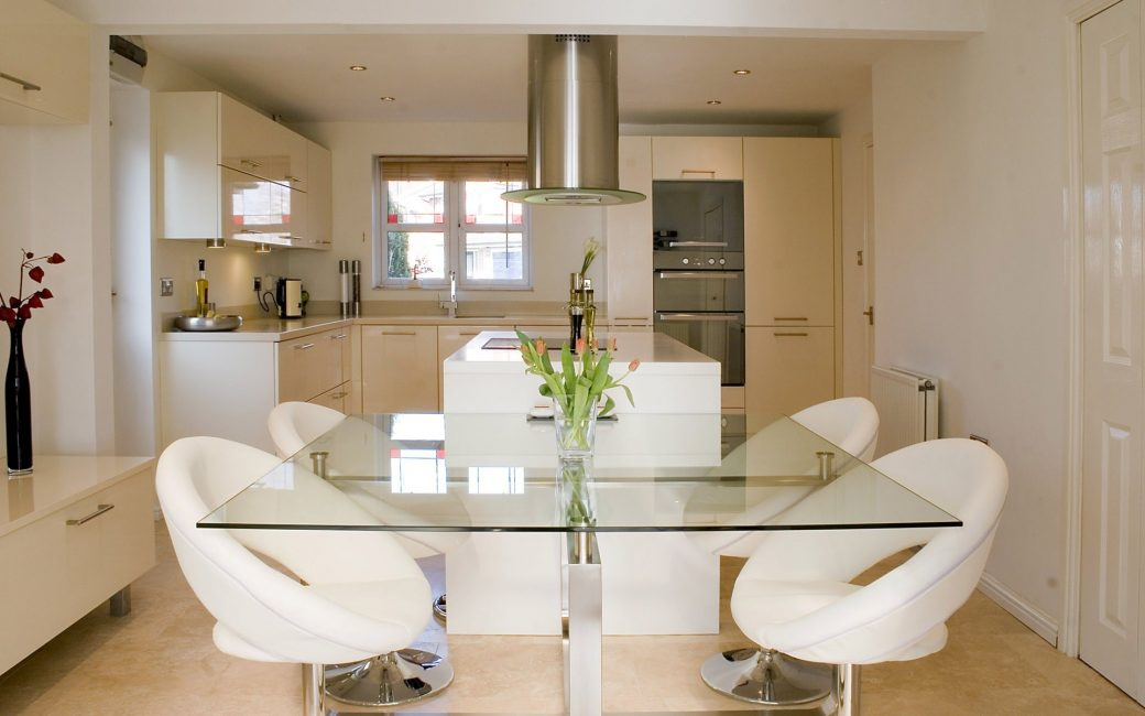 Permukaan semacam itu memberi penekanan kepada gaya dapur tertentu.