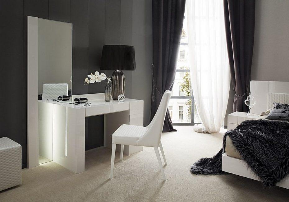 Reka bentuk dan fungsi perabot ini sama pentingnya.