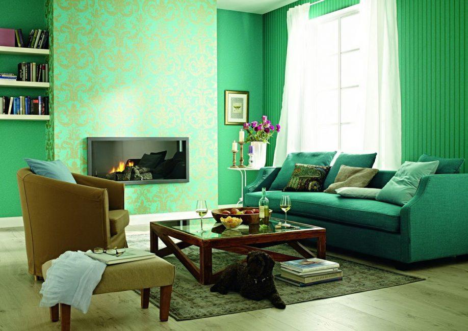 Verilen renkte aydınlık oturma odası