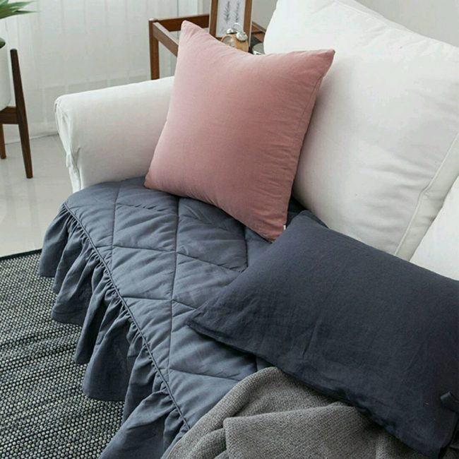 Sesuai untuk sofa putih