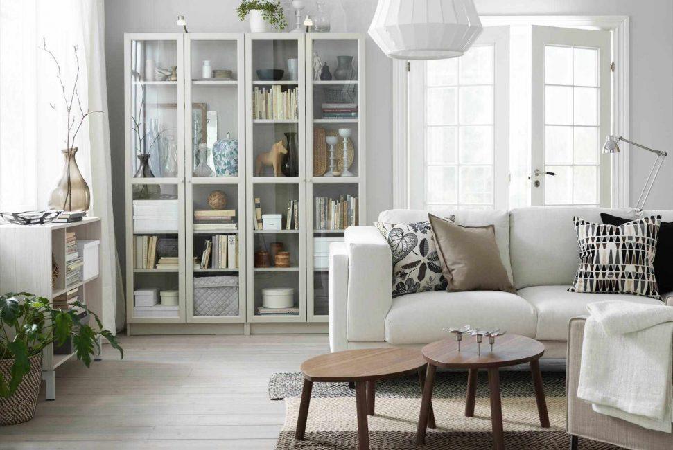 Perabot putih menenangkan, menyesuaikan diri dengan positif
