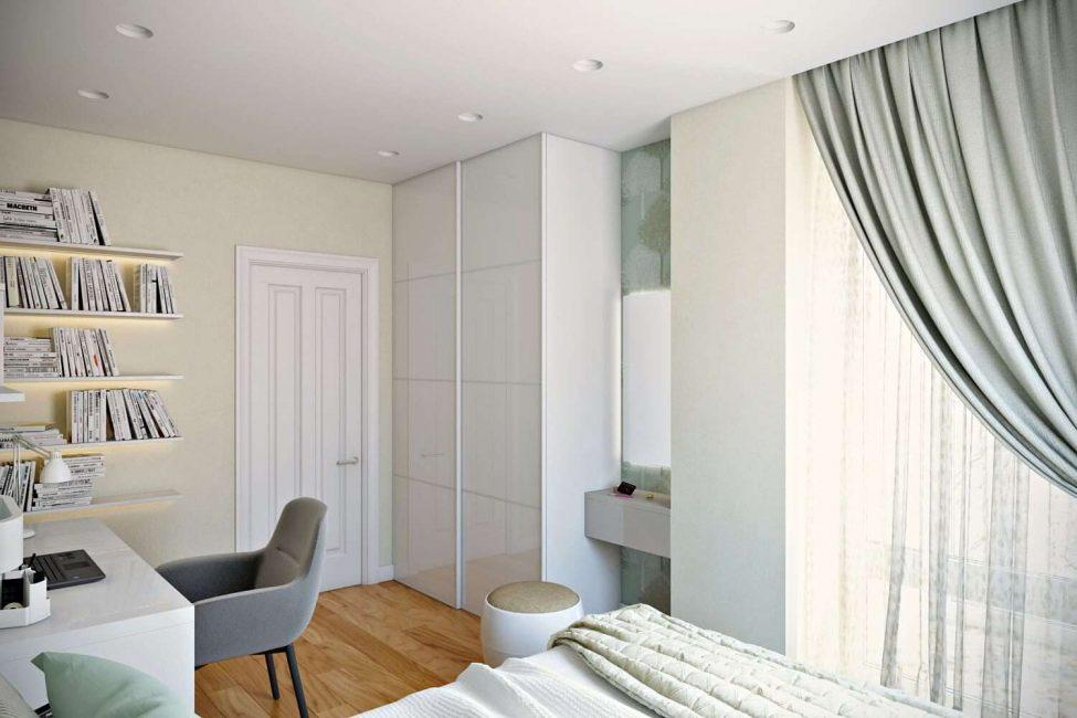 Interior putih dengan pintu putih