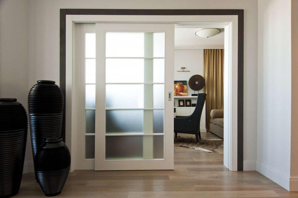 Pintu petak berfungsi untuk mana-mana bilik