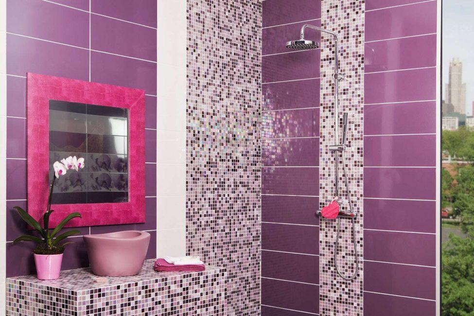 Memperkayakan bilik mandi dengan bunga segar