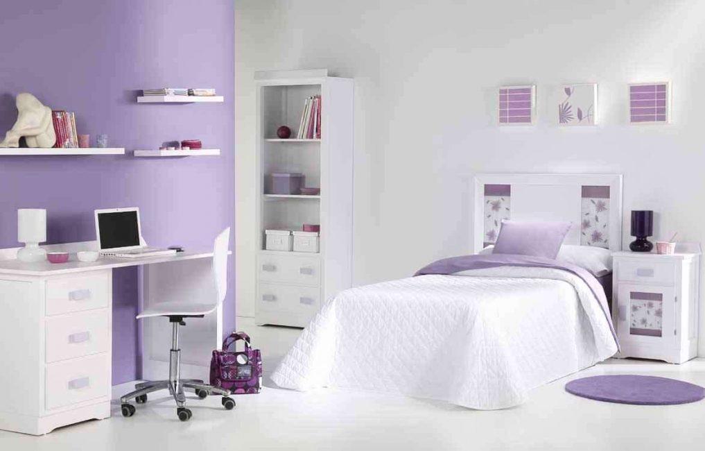 Pilih warna ungu yang bergantung kepada pencahayaan bilik
