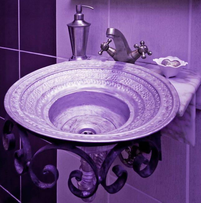 Baskom asal untuk bilik mandi