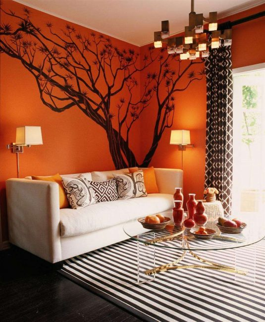 Orange adalah warna utama terakota.