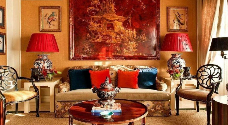 Perabot gaya kolonial - kelihatan cantik dan rapi