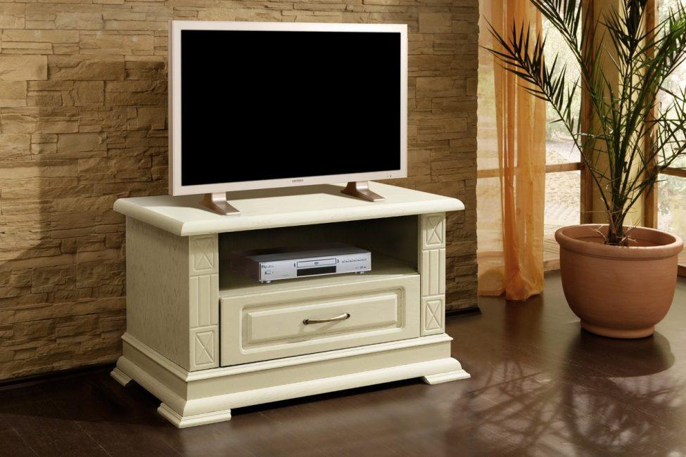 Warna gading hanya menambah daya tarikan dan keindahan perabot.