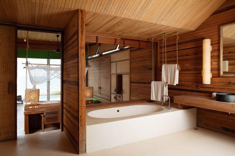 Banyo zeminleri güçlendirilmiş panolarla kaplanmıştır.