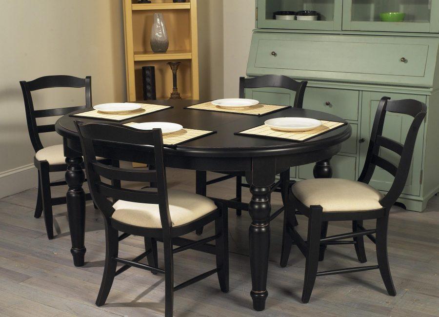 Dimensi meja bujur dipilih mengikut bilangan penyewa.