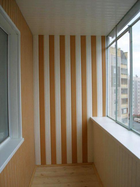 Hiasan balkoni