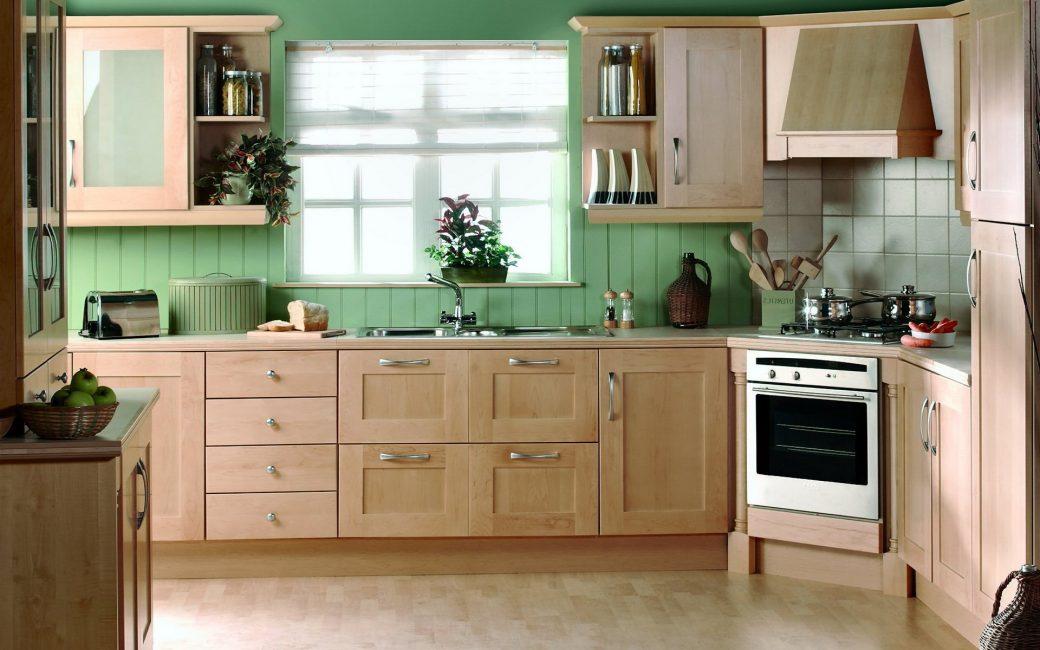 Panel hijau di pedalaman dapur