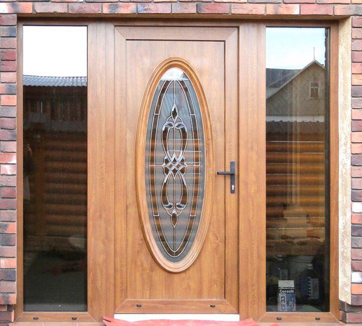 Kapı dekorasyonu gibi desenli cam
