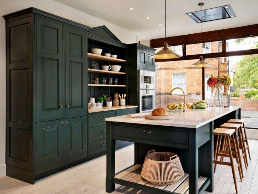 Interior dengan perabot hijau