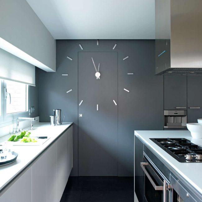 Buat reka bentuk menggunakan jam