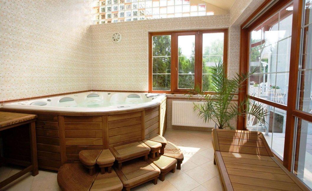 Ahşap bir evde rahat banyo
