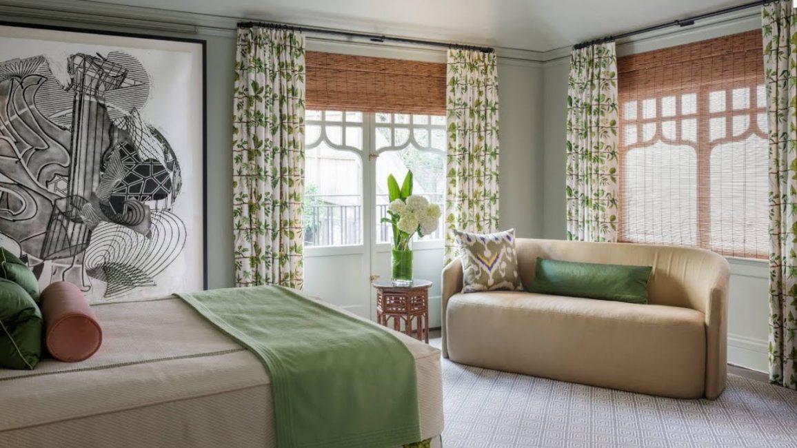 Hiaskan bilik tidur anda dengan bahan semula jadi atau campuran.
